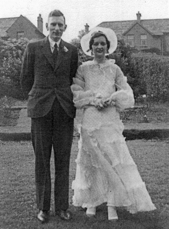 ted-harding-and-muriel-thompson-wedding